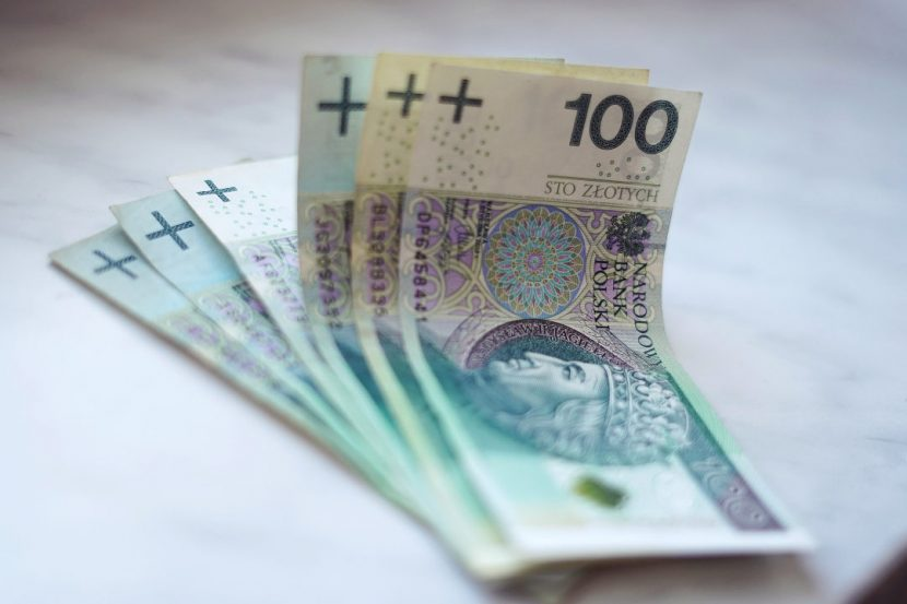 money 100 zlotych